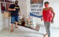 Com apoio da ANFIP-SP, DRF/Santos distribui 120 cestas para famílias carentes
